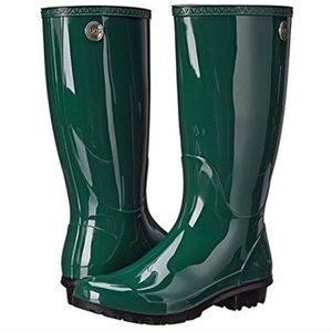 UGG Shaye Rain Boots Size 7 in Pine